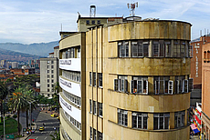 01-135 Edificio