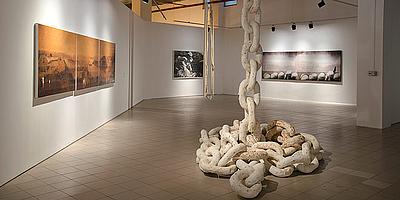 Azade Köker im Elgiz Museum Istanbul