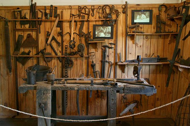 Herramientas de trabajo casa de horacio quiroga for Casa para herramientas