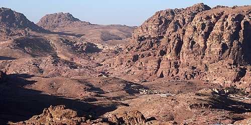 Petra valley basin