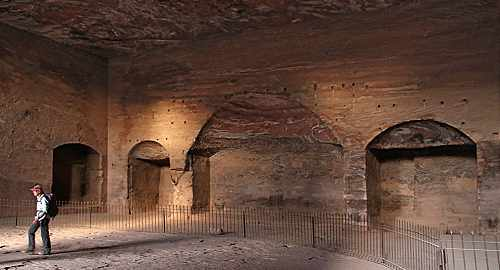 Urn Tomb interior